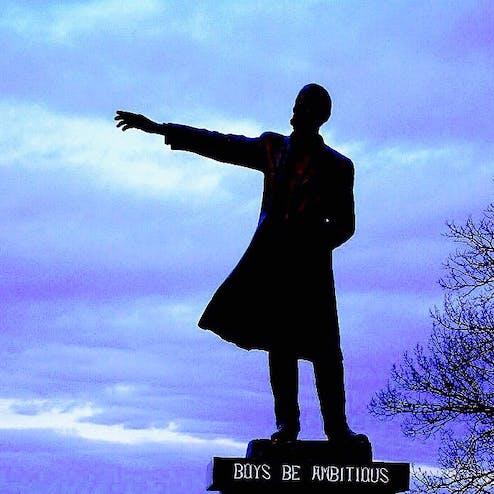 クラーク博士像(さっぽろ羊ヶ丘展望台内)