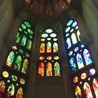 スペイン サグラダファミリア(内部)  外観も素晴らしいですが、内部がこんなに綺麗だとは思いませんでした。