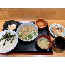 . 5年ぶりの博多ごまさば屋 相変わらず、美味い! ありがとうございます(^^) ごまさば定食750円也! この品数でご飯おかわりOK。 リーズナブルランチ(^^)