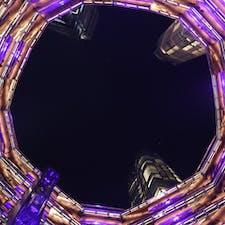 New York / Manhattan Hudson Yards, Vessel 無料で入場できる巨大展望台「ベッセルの」1Fから上を見上げた景色。 #newyork #manhattan #hudsonyards #vessel