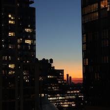 New York / Manhattan Hudson Yards ハドソンリバーからみたビルの谷間の夕焼け。 #newyork #manhattan #hudsonyards