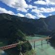 大井川鐵道 静岡県  SLに乗って山の中を進みます。 駅弁を食べながら、ゆっくり景色を楽しめます。  この写真は途中下車して、線路を上から見下ろしたときに撮りました。