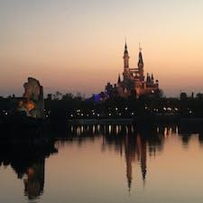 中国、上海、ディズニーランドでの夕焼け 2018年2月