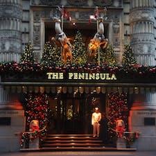 New York / Manhattan The Peninsula New York 歴史と格式があり、モダンなインテリアが人気の5番街にある「ペニンシュラホテル」。こんなホテルでホリディシーズンを過ごしたいものです♪ #newyork #manhattan