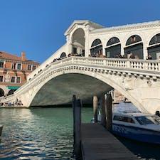 ベネチアのリアルト橋