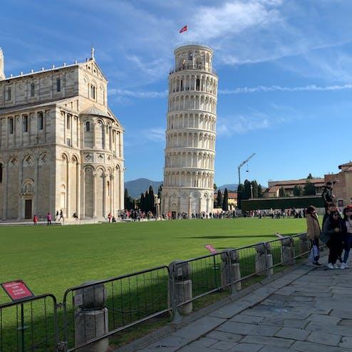 ピサの斜塔(鐘楼)