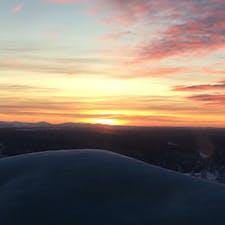 サーリセルカの夕焼け。この日はオーロラが部屋から見えました。
