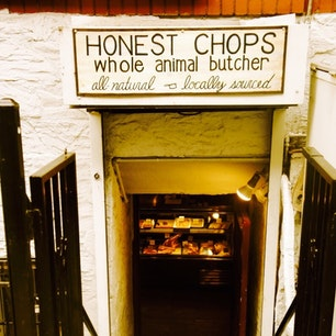 New York / Manhattan Honest Chops Butchery イーストビレッジにあるお肉屋さん。地下にあるのでちょっと入りにくいけど、ソーセージが美味しいです♪ #newyork #manhattan