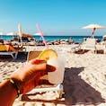 2019年トリップアドバイザーのランキング2位のバラデロビーチ!! コーラルブルーの海を見ながらの、モヒート、ダイキリは最高でした〜。(写真はダイキリです笑) (2020年1月)