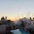 フィレンツェの朝焼け🌅  遠くにドゥオモが見えます。