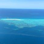 #ミコマスケイ #グレートバリアリーフ #オーストラリア  2020年1月  サンゴ礁や貝殻の欠片が集まってできたケイ🏝  ここは海の色も浜辺の白さも別格だった🥺🥺 次回はミコマスケイかハミルトン島行きたいなあ...