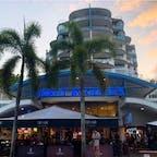 #ナイトマーケット #ケアンズ #オーストラリア  2020年1月  ジャンクフードとお土産の宝庫😆😆 ケアンズで安くご飯を済ませたいならここ👍  ハマりにハマった #バイロンベイクッキー 買いすぎた🍪