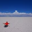 ウユニ塩湖〜。塩の大地です! (2017年12月)