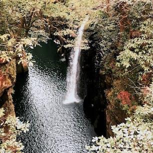 宮崎 高千穂峡 カヌーで下まで漕いでいくと、神秘的な雰囲気