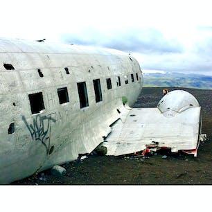 南海岸に墜落したDC-3の残骸 @Sólheimasandur ICELAND  ファットバイクでダートを走り辿り着いたスポット。
