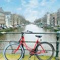 オランダ、アムステルダムです。運河の風景がとても綺麗でずっと眺めていられます。