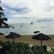 インドネシア*ビンタン島  シンガポールから高速船で約50分。 お店や観光地は少ないけど、ゆっくり休みたい人向けで素敵な島。 (おまけに日本人少なくて非日常感が高まる笑)