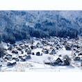 一昨日までなかった雪が前日の寒波で降ったと聞いて弾丸で来た冬の白川郷。 午後にはだいぶ溶けてしまってたけど雪慣れしてないのでこれぐらいの方が逆に助かった。2~3時間で回れるは無理。