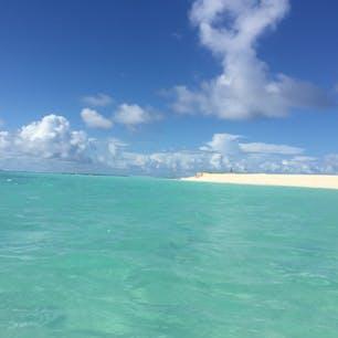 サイパン*マニャガハ島  こんなに綺麗な海でアクティビティしたり、ぼーっとお昼寝したり最高でしかなかった。