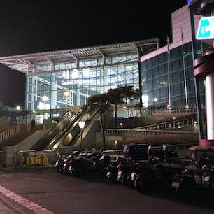 ソウル駅 マートの帰り道、真夜中のソウル駅は 明るかった🚉