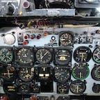 航空自衛隊浜松広報館、愛称エアーパークに行ってきました。昔ながらの計器。これらを見ながら飛行機を操縦すると思うだけで、目が回りそうです。