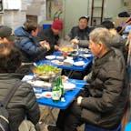 広蔵市場  テグタンを美味しそうに 召し上がっていました。タラと白子とセリがどっさりのった ピリ辛の鍋。三角地の テグタン通りにも 行きたくなりました👀