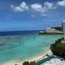 2020年2月グアム アウトリガーホテルの部屋からの眺め 朝一番に見た海が本当にキレイです