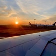 羽田空港、takeoff前の朝焼け。