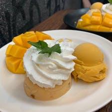 #マンゴタンゴ #バンコク #タイ 2020年2月  久しぶりに食べたら、あんなに嫌いだった ココナッツミルク掛けもち米×マンゴーの組み合わせが 食べられるようになってて自分でびっくりした😳😳