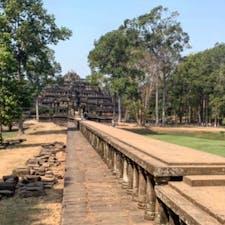 #バプーオン #アンコールトム #シェムリアップ #カンボジア 2020年2月  この空中回廊が最高に素敵だった🥺🥺 バイヨン寺院と同じくらいバプーオンおすすめしたい✨
