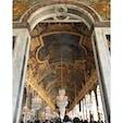 豪華絢爛なヴェルサイユ宮殿の「鏡の間」。訪れた時は混雑していたけど、敷地が広い分意外とゆっくりと回れた!  #thosedayswithyou #france #paris