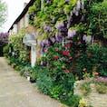 イギリス ストーンヘンジへの玄関ソールズベリーの民家