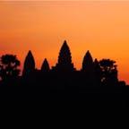 #アンコールワット #シェムリアップ #カンボジア 2020年2月  早起きしてサンライズ鑑賞🌅  真っ暗で何も見えないところから段々シルエットが 浮かび上がって、空の色が変わっていく様に感動🥺🥺