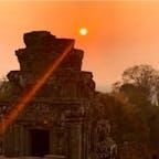 #プノン・バケン寺院 #シェムリアップ #カンボジア 2020年2月  人気No.1の名所でサンセット鑑賞🌅 この日は完全に沈む前にガスに消えてしまった😭😭