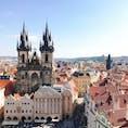 プラハの旧市街。 青空が広がって快晴の日! 1回目と違う雰囲気でプラハの街並みを楽しめた。やはりオレンジ色の屋根がかわいいー。  #thosedayswithyou #secondtime #praha