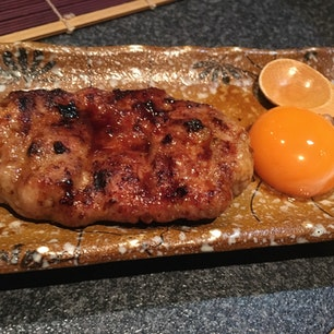 甲州地鶏串焼き 寛酔 つくね  ワインも焼き鳥もとても美味しいお店