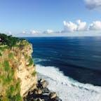 インドネシア*ウルワツ寺院  バリ島のウルワツ寺院。 見晴らしの良い景色を見て、ケチャダンス鑑賞を待つ。
