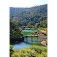 香川県 〜栗林公園〜 フランスの旅行ガイドブック 『ミシュラン・グリーンガイド・  ジャポン』において、 「わざわざ旅行する価値がある」を 意味する最高評価の三つ星に 選ばれたらしいです。(2009年度)