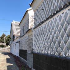 西伊豆、松崎を散歩しました。海鼠壁通りは、こんな感じで風情があります。