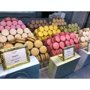 #France 🇫🇷 #Paris #macaron