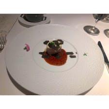 """【熱海】ホテルグランバッハ熱海クレッシェンド  メイン(お肉):""""春陽""""  国産仔牛フィレ肉のプリンス・オルロフ 発芽マスタード風味〜デモンストラッション・ド・トリュッフを添えて〜  ここのお料理は シンプルだけど美味しい  あんまり凝った料理が好きじゃない私からしたら 1番好きなタイプのフランス料理  美味しくいただきました😋  #静岡° #熱海 #熱海ごはん° #旅行ごはん°"""