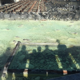 2016.01.02  in草津温泉♨  硫黄の匂いと湯煙のバランスよき  この写真のとこって何℃なんだろうか