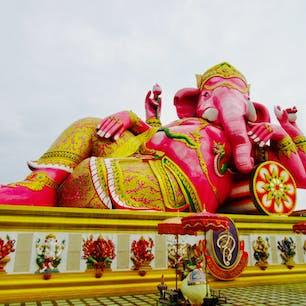 "Wat Saman Rattanaram, Thailand🇹🇭 called ""Pink Ganesha""🎀 make your wish come true at 3x speed😲"