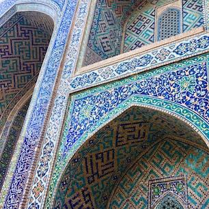 【ウズベキスタン🇺🇿】サマルカンド  青の都  一口に青と言っても色々あるし デザインも様々  #ウズベキスタン共和国° #サマルカンド #青の都 #2017
