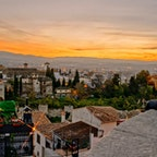 スペイン、アルハンブラ宮殿を見る見晴らしのいい丘から。