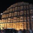 インドジャイプールの風の宮殿。部屋数は366個、毎日違う部屋にチェックイン可能です