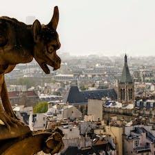フランス、パリ。ノートルダム大聖堂の上から。