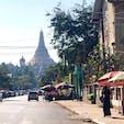 【ミャンマー🇲🇲】ヤンゴン  シュエダゴン・パゴダ  工事中だったので 散歩がてらに近くをうろついただけ。 金キラピカピカ、いつか見てみたい。  #ミャンマー° #ヤンゴン #2019/02/07