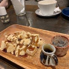 四歩🍵🍃  吉祥寺にあるカフェ。 日本茶の種類が豊富で、 わらび餅との相性が最高でした😭✨  #四歩 #吉祥寺カフェ
