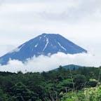2020年6月 精進湖から見た富士山 頂上を覆ってた雲も晴れ上がりました。